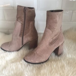 Chinese laundry charisma Bootie mink size 8